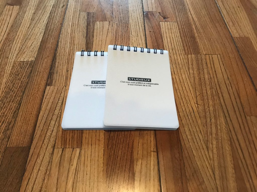 2冊並んだSTUDIEUXのA7Wリングメモ