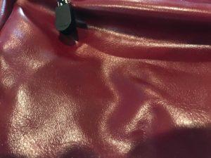 OUTDOOR PRODUCTSネオシャイニングPUショルダーバッグの素材
