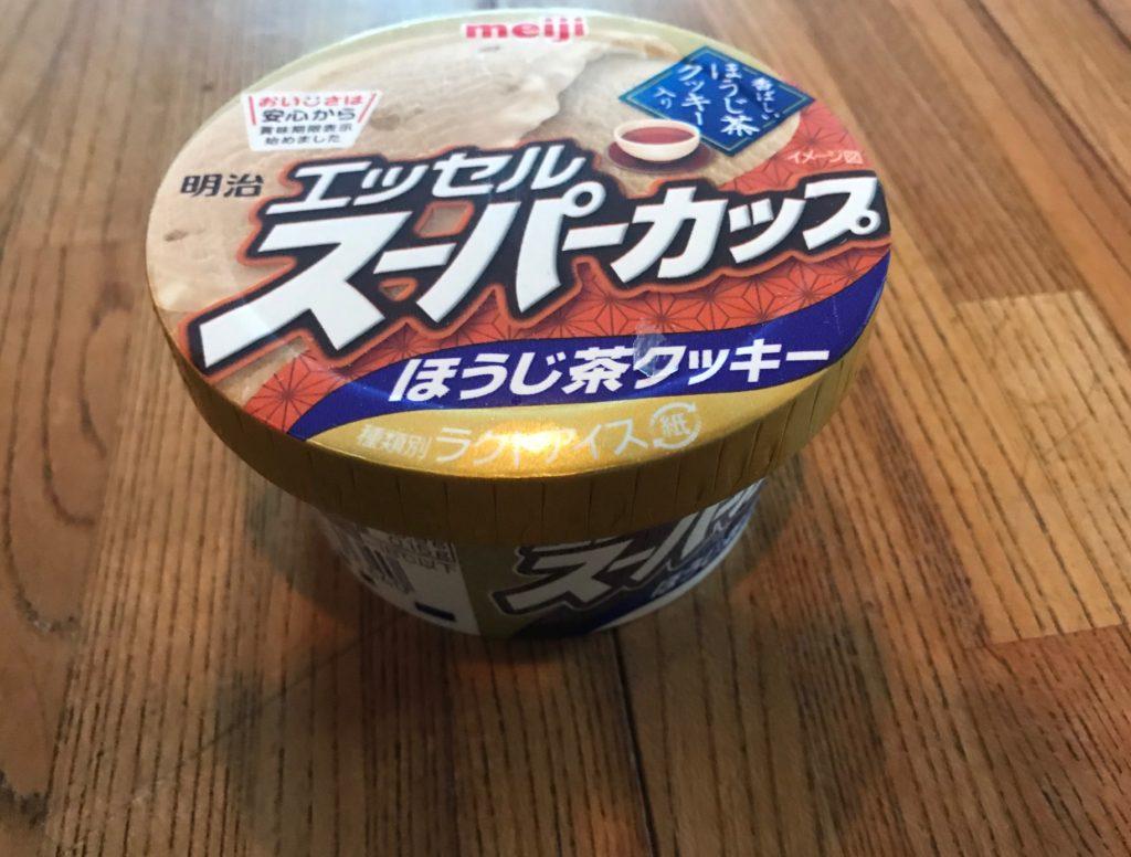 スーパーカップアイスのほうじ茶クッキー